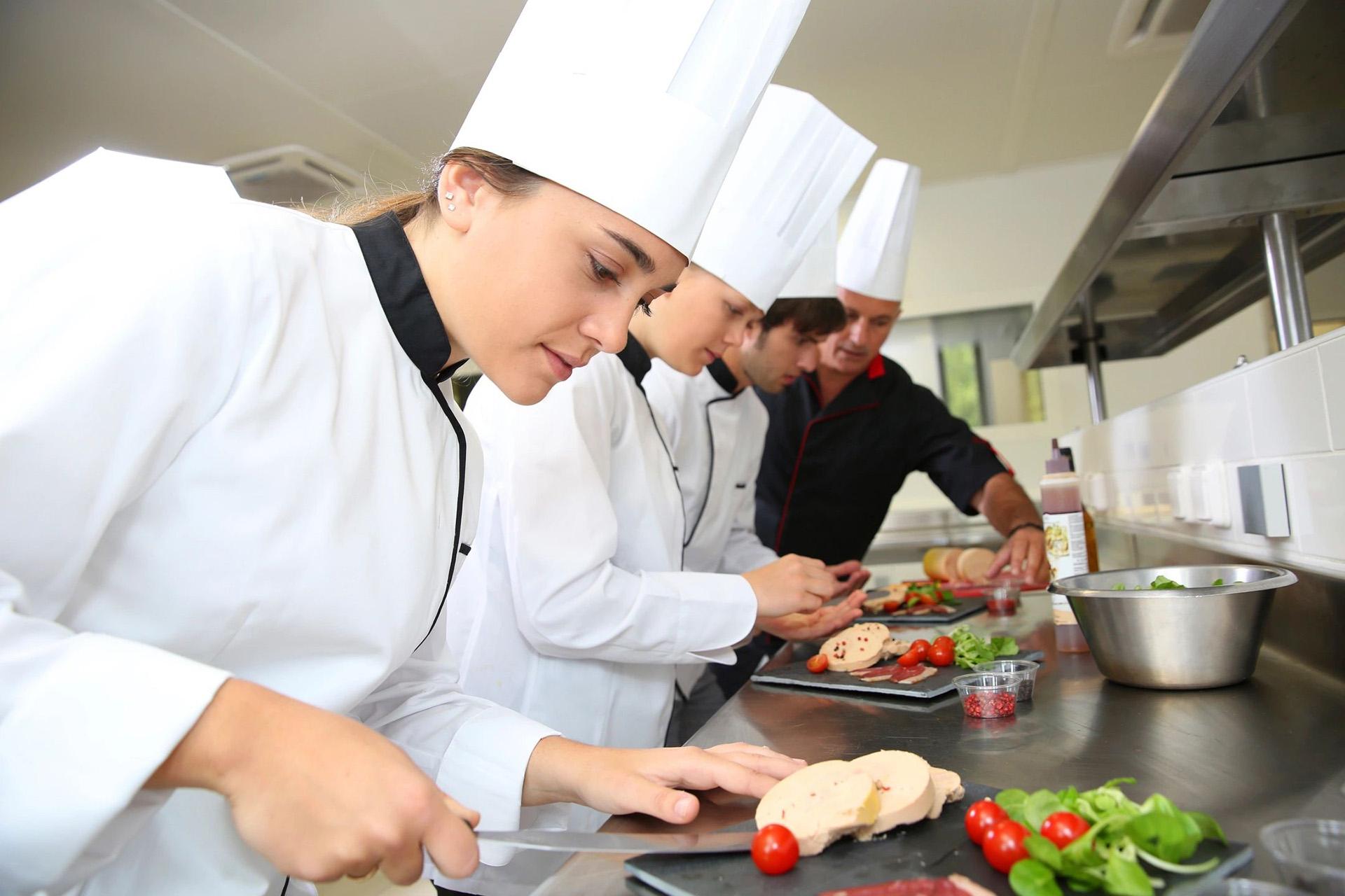 Работа на кухне картинки